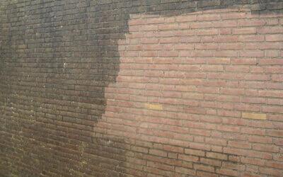 Hogedruk reiniging van muren